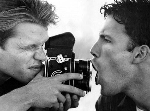 看中外明星他们手中的胶片相机