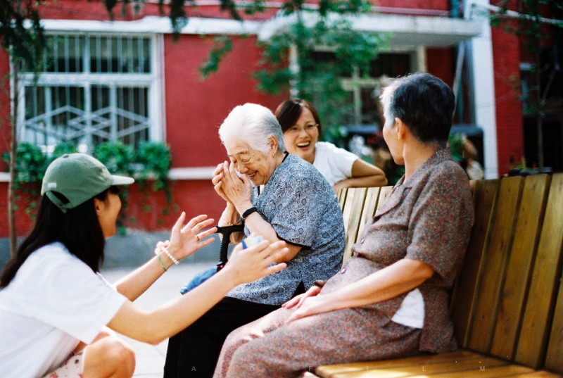 养老院的老人们-菲林中文-独立胶片摄影门户!