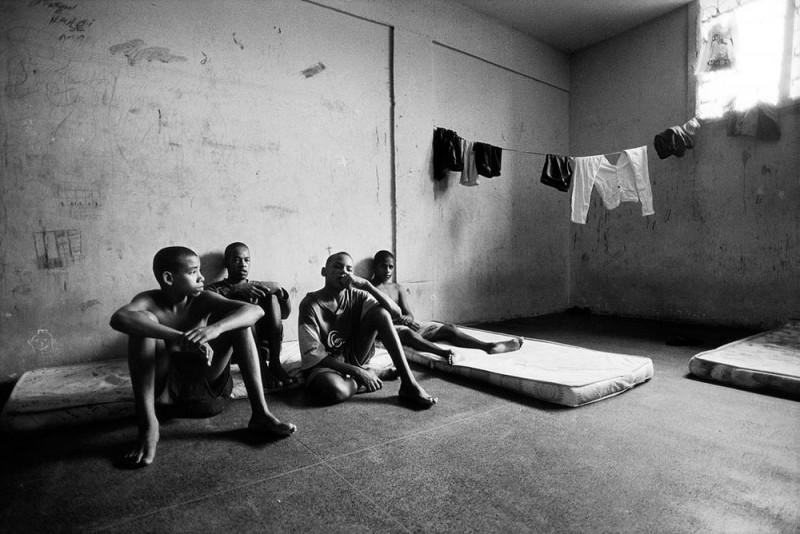 深入监狱!摄影师镜头下的年轻囚犯-菲林中文-独立胶片摄影门户!