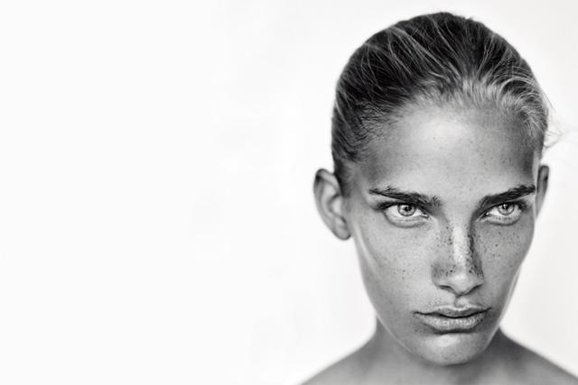 黑白人像摄影作品Pure-菲林中文-独立胶片摄影门户!