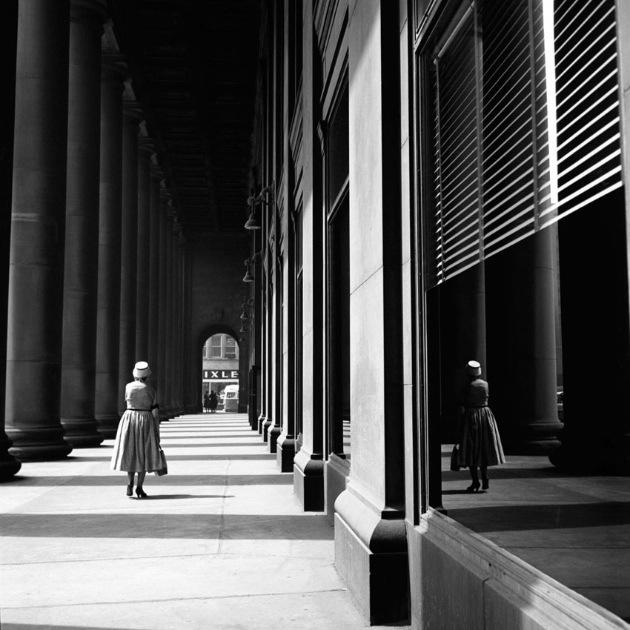 """街头摄影的""""梵高""""—薇薇安迈尔"""