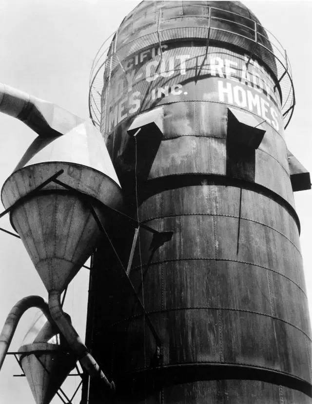 研究僧|隐藏于机器工厂中的时空之门-菲林中文-独立胶片摄影门户!