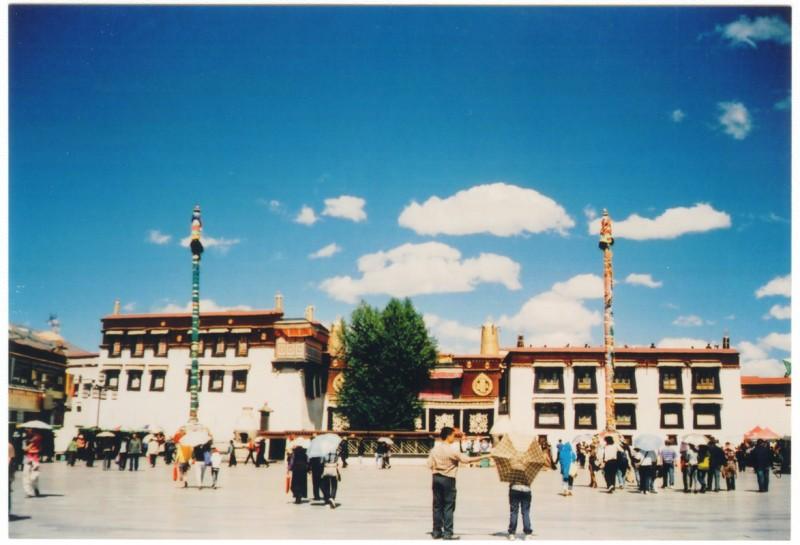 西藏拉薩-純淨的天空-菲林中文-独立胶片摄影门户!