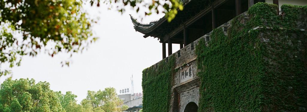 『 古城日记 』 宾得67宽幅 @moonrise-菲林中文-独立胶片摄影门户!