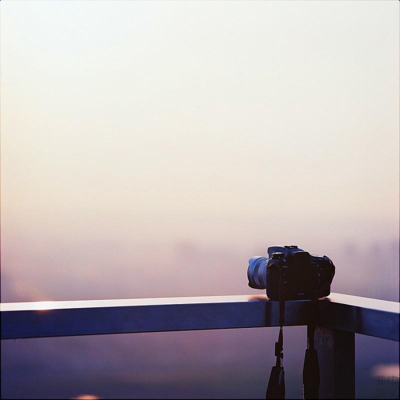 背着包包去拍照-菲林中文-独立胶片摄影门户!