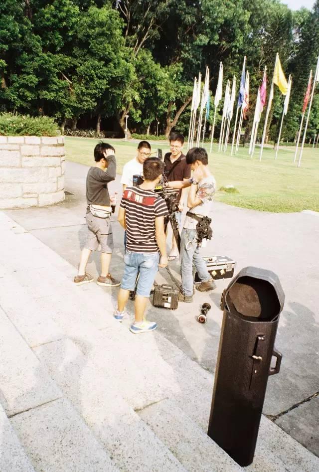 深圳聚会|许多年后,你还是癫狂的少年郎-菲林中文-独立胶片摄影门户!