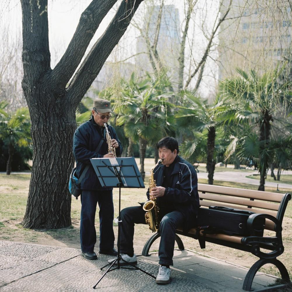碧沙岗公园的人们@嘉致耿-菲林中文-独立胶片摄影门户!