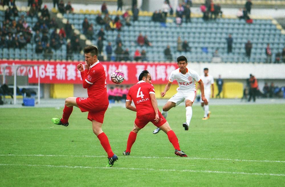 中国足球甲级联赛2016第一轮 湖南湘涛vs北京人和 赛果0:0-菲林中文-独立胶片摄影门户!