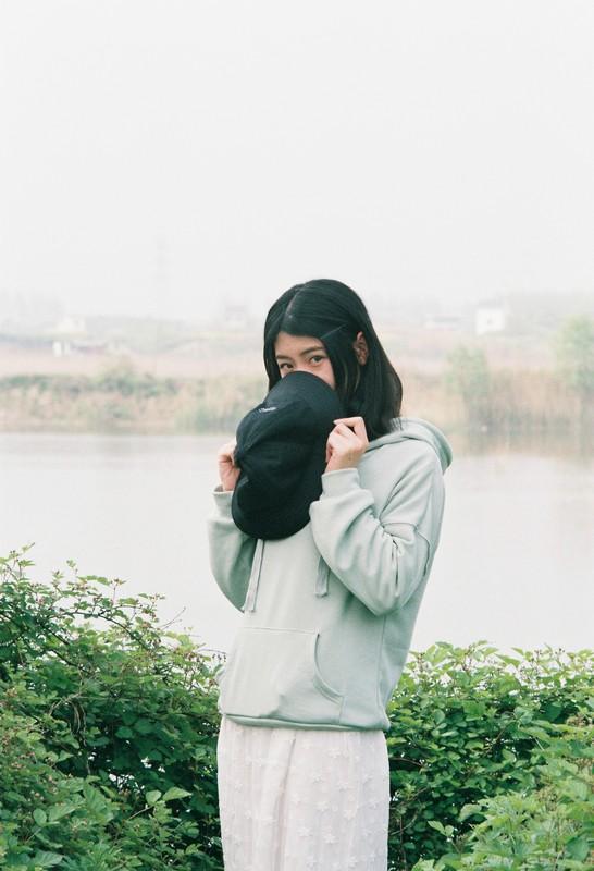 @aody 第二次胶片,拍一个叫神经的妹子-菲林中文-独立胶片摄影门户!
