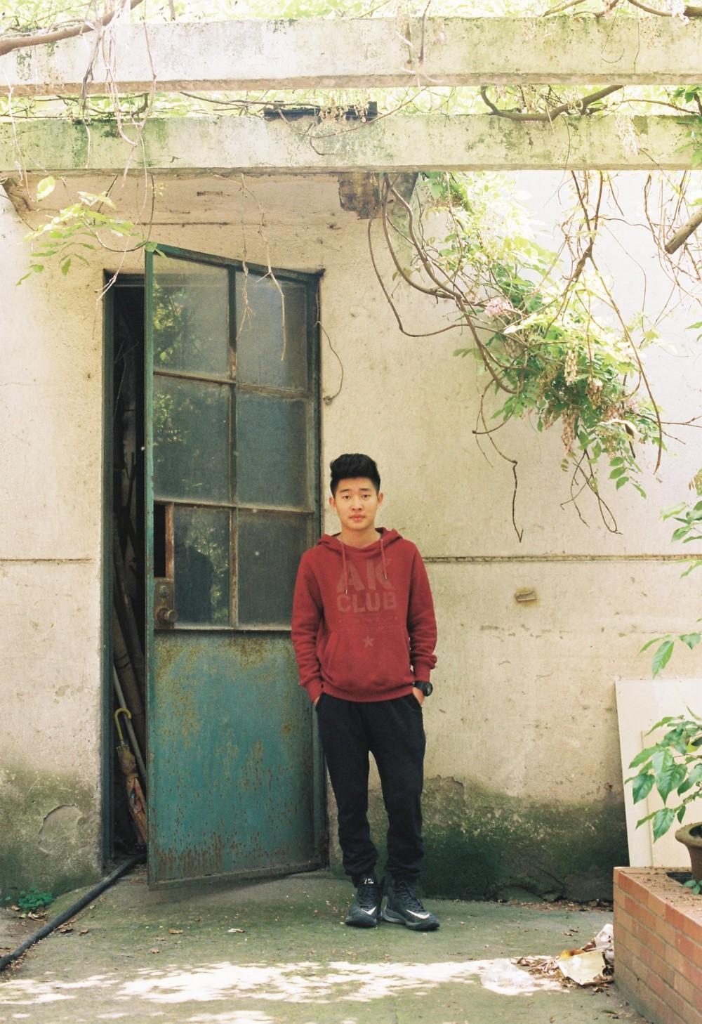 忧郁少年 @Stacy1993-菲林中文-独立胶片摄影门户!