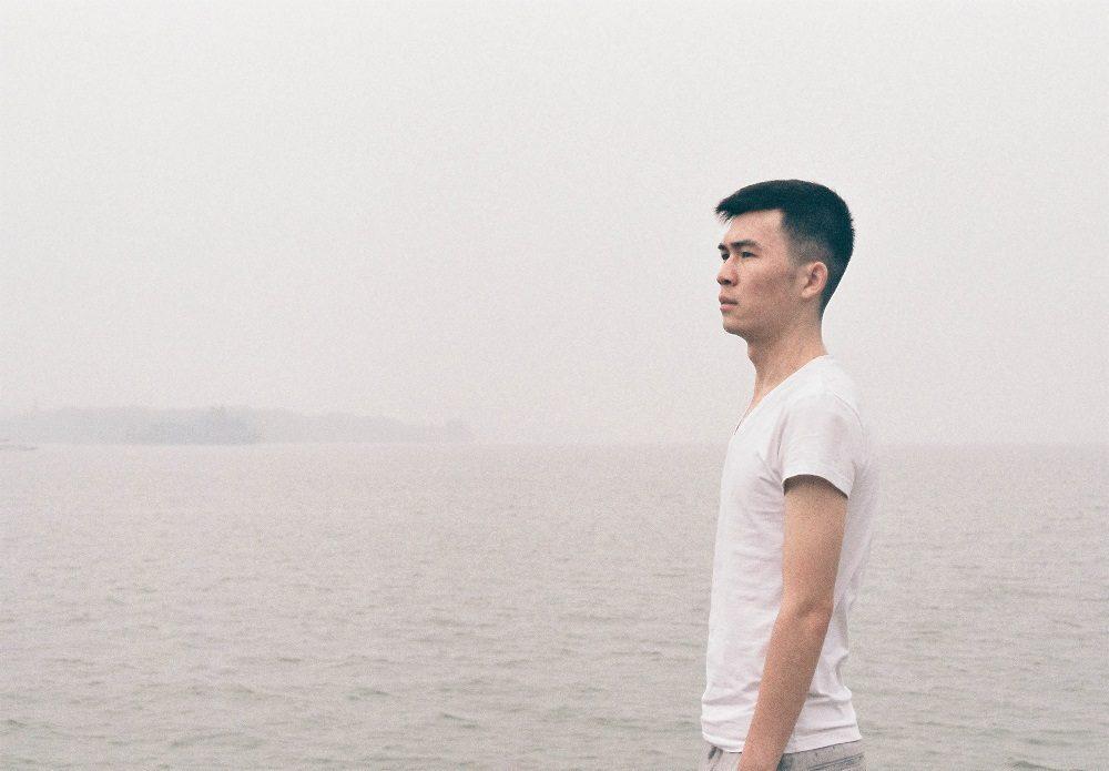 不爱笑的少年@Bruise痕-菲林中文-独立胶片摄影门户!