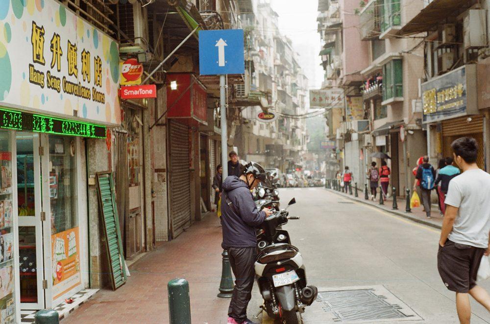 澳门街上-菲林中文-独立胶片摄影门户!