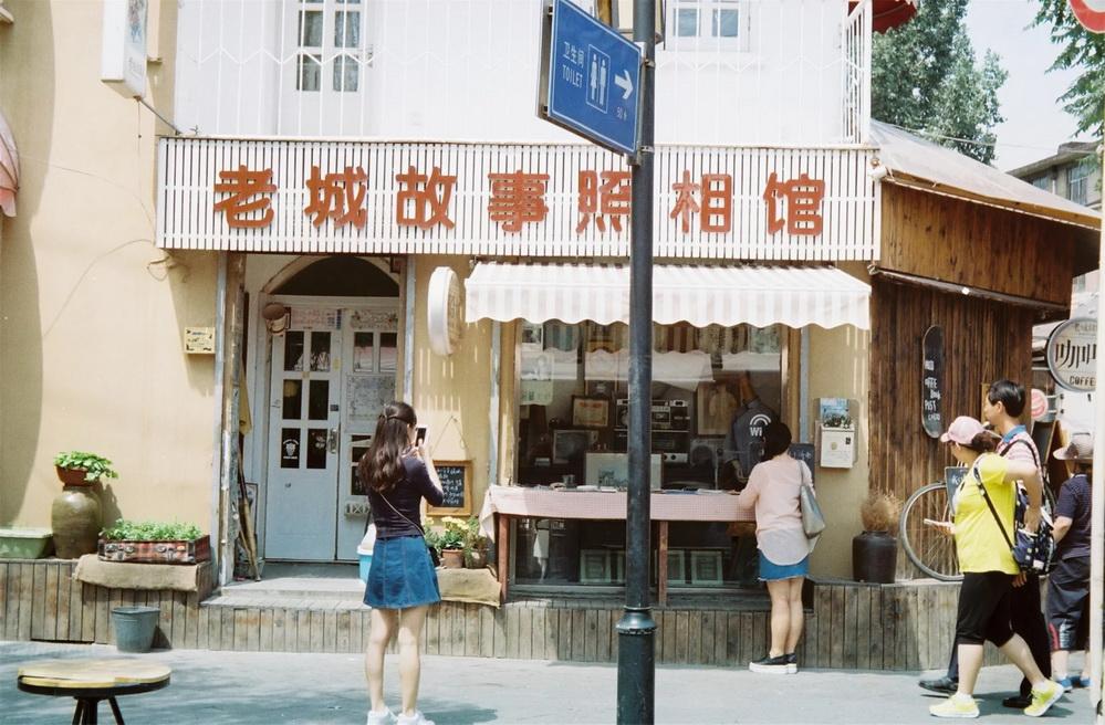 凤凰205A再去瞎拍,这次是扫街-菲林中文-独立胶片摄影门户!