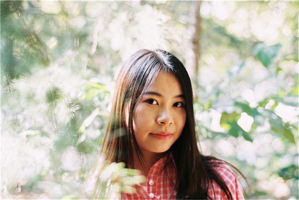 那些女孩和那些花儿-菲林中文-独立胶片摄影门户!