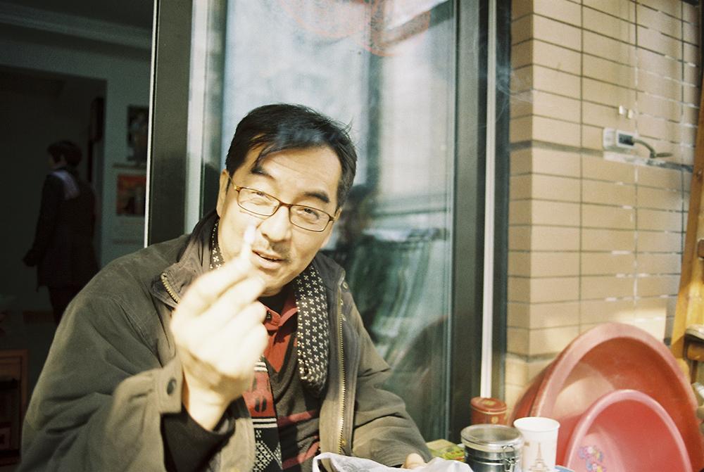 在阴郁的日子中走走拍拍-菲林中文-独立胶片摄影门户!