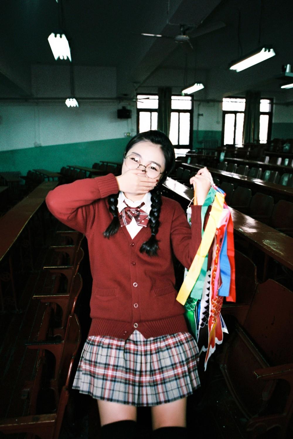 制服少女 @马骏同学-菲林中文-独立胶片摄影门户!